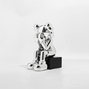 Скульптура Kaws